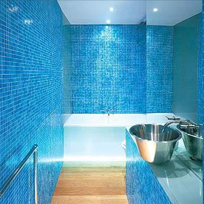 10 Cool Compact Bathroom Design Inspirations | Shelterness