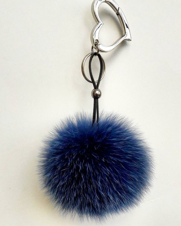 If you like to buy one of our products please visit our etsy shop (link in bio) #leather #heart #love #blue #black #keychain #pompom #furbags #furfashion #fashion #sky #sun #sunset #summertime #summertime #vacation #leatherbag #etsy #brand #accessories #jewelry #must #trend