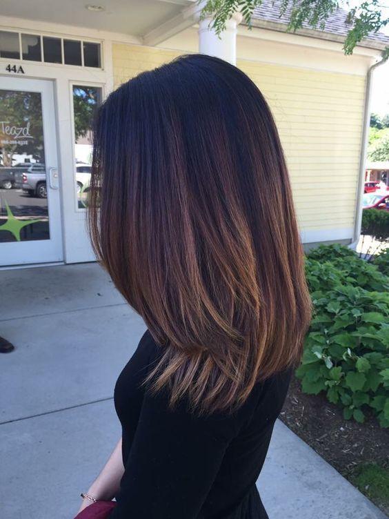 30+ gerade mittlere Länge Frisuren für Frauen at…