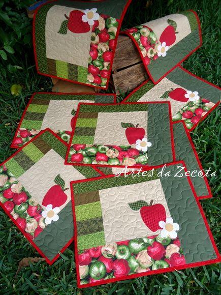 Tecido 100% algodão com aplicações em todas as peças e quilt também.  Tamanho: 35x45cm  O preço de R$60,00 refere-se a 1 unidade.