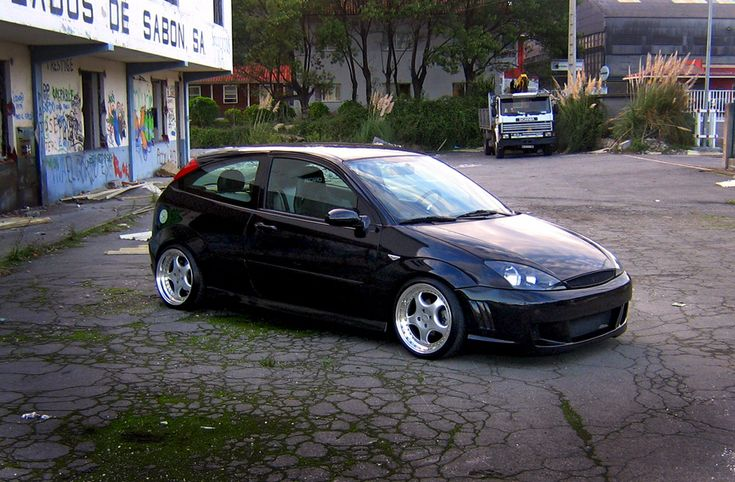 black low ford focus mk1 big rims double exhaust led. Black Bedroom Furniture Sets. Home Design Ideas