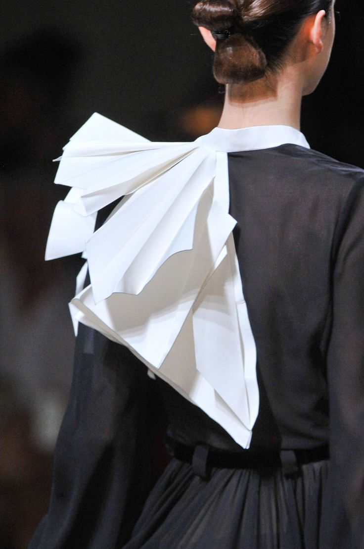 Stéphane Rolland at Couture Fall 2013 (Details)