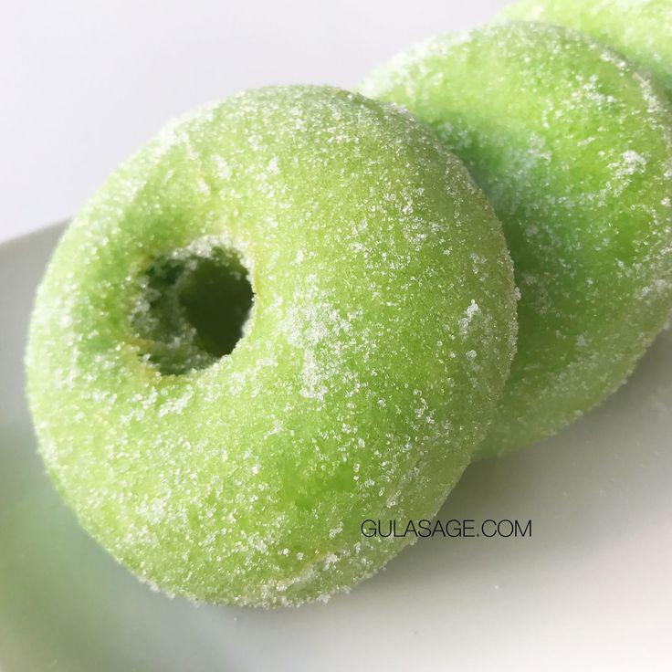 Pandan Donut Recipe | Resepi Donat Pandan – GulaSage