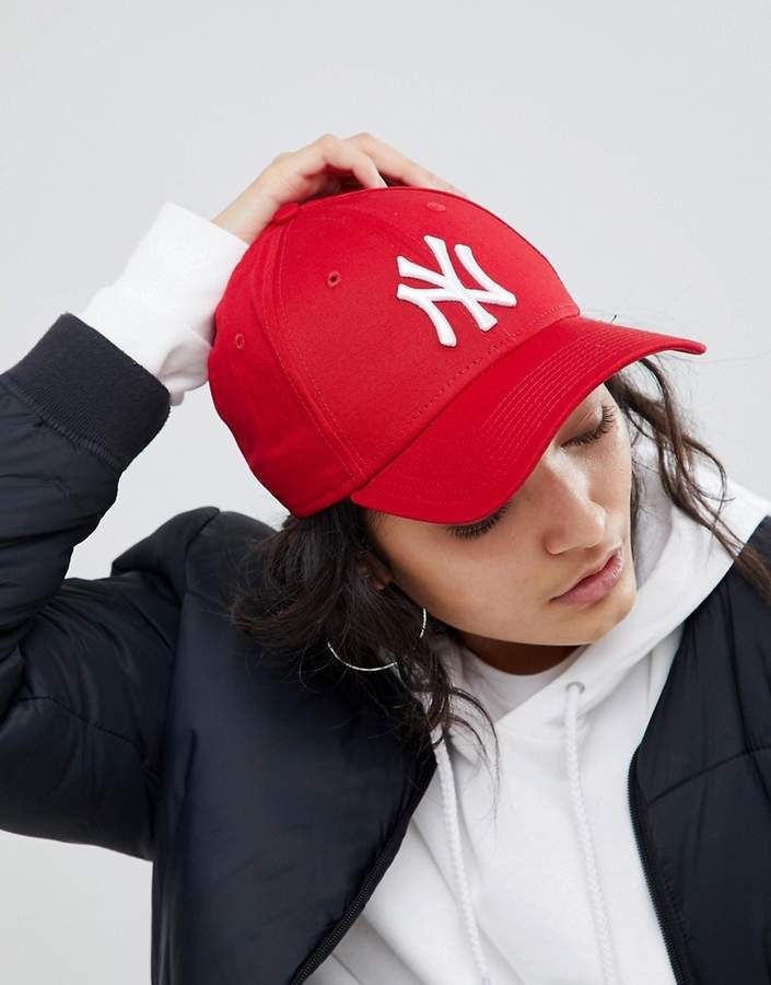 New Era Ny 9forty Red Cap Baseball Cap Outfit Outfits With Hats Cap Outfit