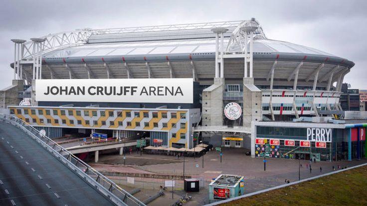 Alle partijen hebben een intentieovereenkomst getekend waarin de naamsverandering centraal staat. De Johan Cruyff  Arena mooi hoor!!!!