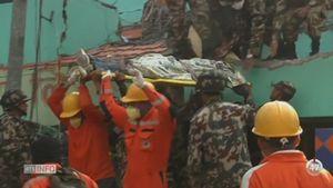 Népal - Séisme: environ 3'700 auraient trouvé la mort dans cette terrible catastrophe [RTS]