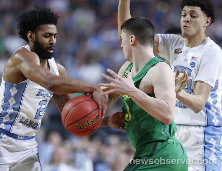 North Carolina's Joel Berry II (2) steals the ball from Oregon's Payton Pritchard (3) during the first half of UNC's game against Oregon in NCAA Division I Men's Basketball Championship national semifinals at the University of Phoenix Stadium in Glendale, AZ, Saturday, April 1, 2017.