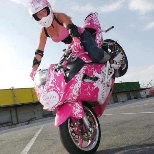 90c59ad0e9a2d7f0159bb0d6519d9c46--biker-girl-biker-chick.jpg