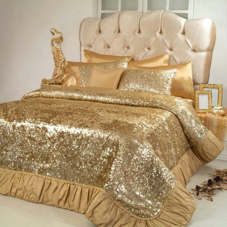 1000 ideas about gold bedding on pinterest white and gold bedding fur bedding and gold. Black Bedroom Furniture Sets. Home Design Ideas