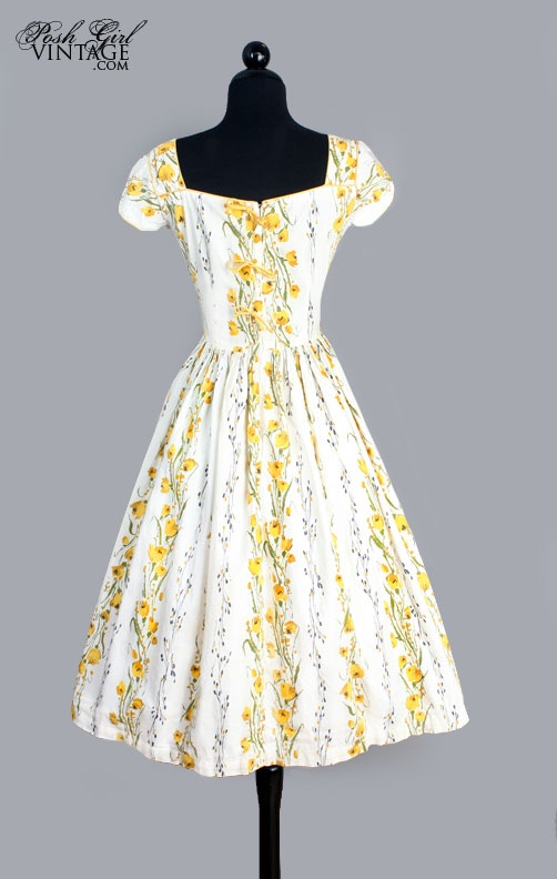 1950's White & Yellow Floral Print Cotton Day Dress - M  I think I had one with this material!