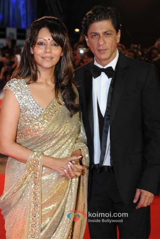 Shah Rukh and Gauri at the Ra.One premiere. #SRK #Shahrukh #Gauri #Bollywood