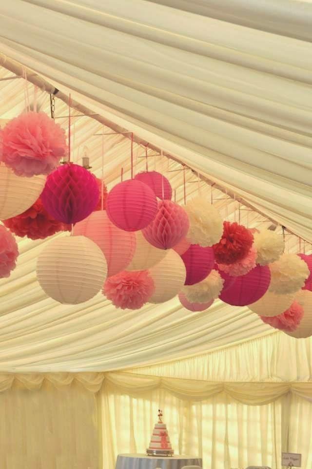 Ideas de decoración low cost para bodas: ¿qué te parecen los farolillos?