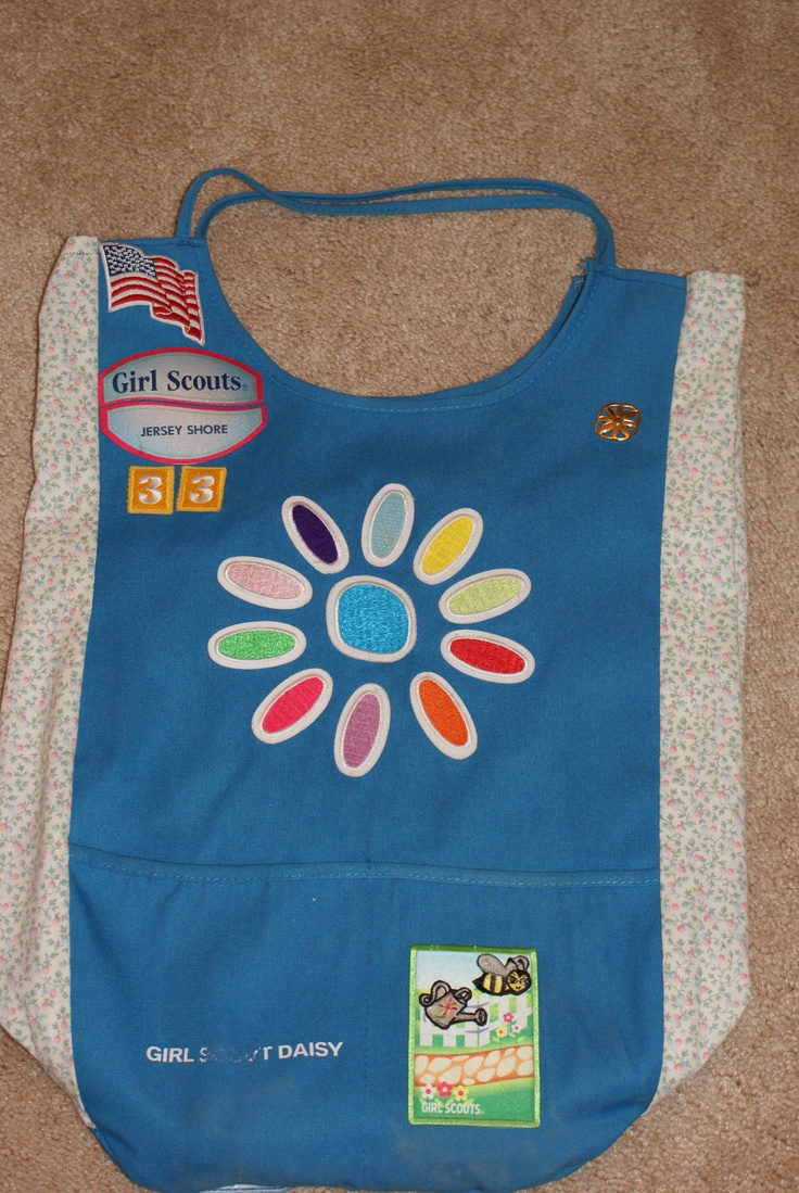 Girl scout scrapbook ideas - Daisy Tunic Into Bag Idea I Saw Online The Other One Was Much Nicer But Girl Scout