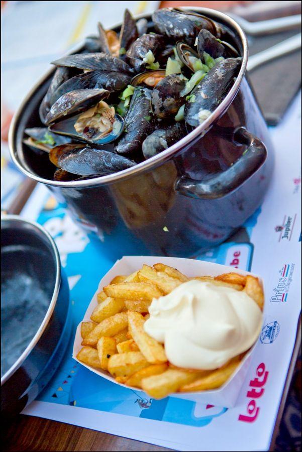 Moules - frites - mosselen - frieten - Resto national (21.07.13) © Eric Danhier