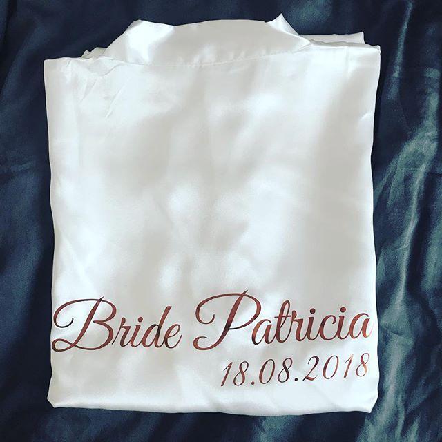Brautkimono Furs Getting Ready Www Moonlightcrafts De Hochzeit Morgen Braut Team Braut