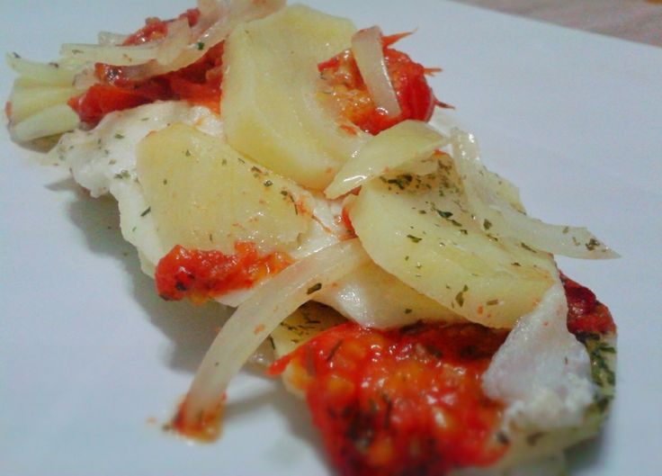 Filetti di platessa con patate http://www.lovecooking.it/secondi/filetti-di-platessa-con-patate/