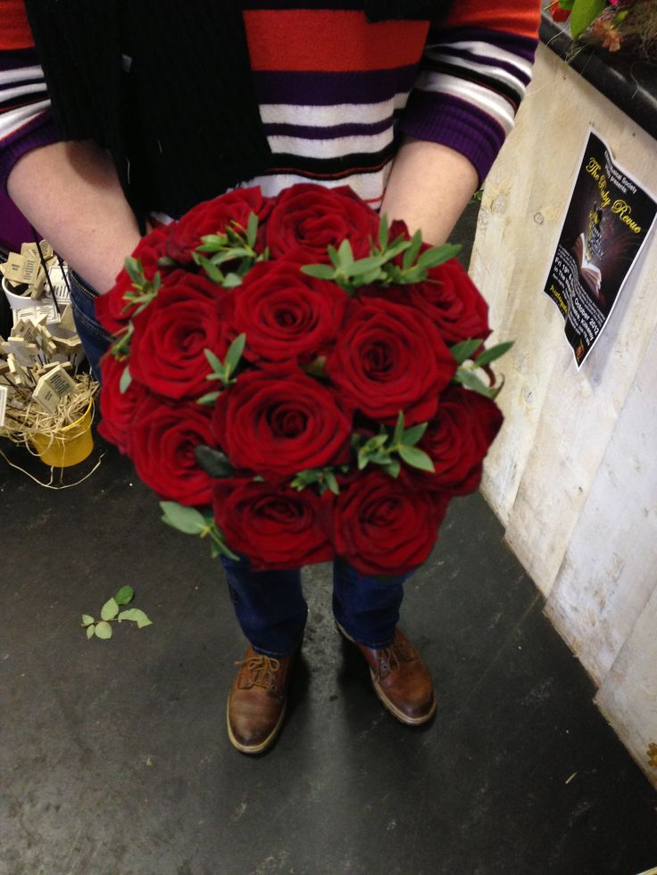 Red Naomi rose bouquet, the finest red roses you can get.