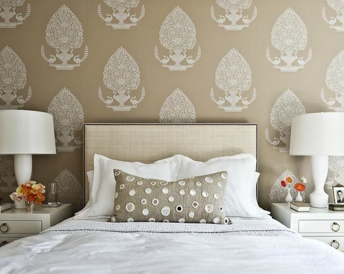 Large scale pattern wallpaper. Bedroom with natural linen