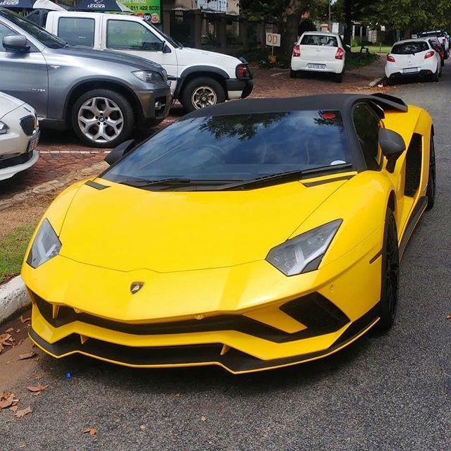 Isnt She A Beauty Aventador S Spotted This Morning By Martinmcleman Exoticspotsa Zero2turbo Southafr Sports Car Sports Cars Luxury Sports Cars