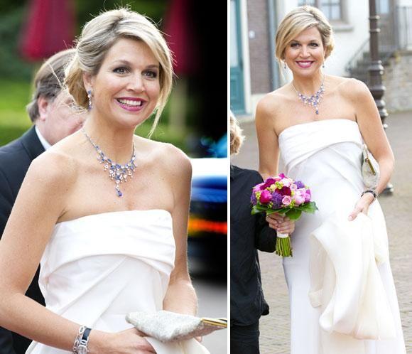 Blanca y radiante va Máxima de Holanda #realeza #royalty