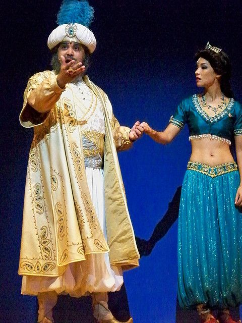 Aladdin: A Musical Spectacular (I would LOVE to see this live!)