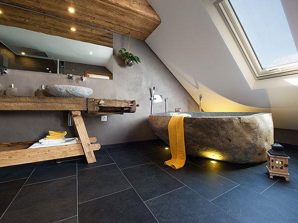 ardoise Mustang salle de bain et serviette jaune