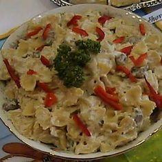 Těstovinový salát se žampiony a nivou