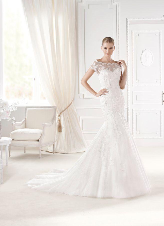 vestido de #novia con corte sirena, de encaje y hombros caídos
