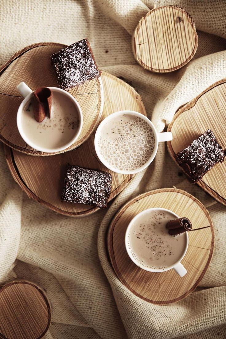 Vegaaniset chai ja brownie ovat täydellinen kaksikko