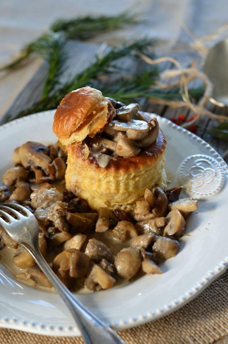 Pour prendre un air de fête c'est une recette encore plus gourmande que je vous propose, des vol au vent aux champignons sauce foie gras !