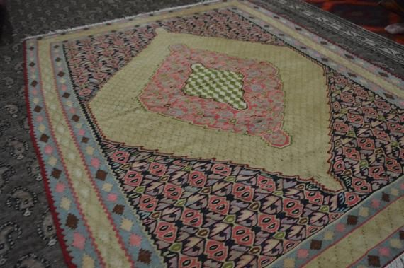4.8 X 3.7 FT Stunning Very high Qaulity Turkish Square Rug,Pink Yellow,Green Blue fine flat weave Tu