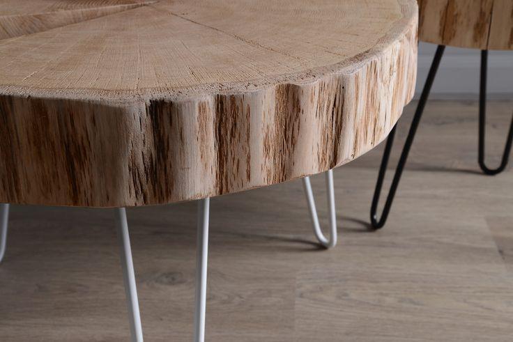 Trunk, to seria niezwykle oryginalnych, minimalistycznych stolików marki Piece Of Wood. Każdy, prosty w formie blat wykonany jest z jednego kawałka pnia dębowego.