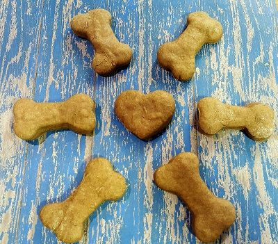 Bow Wow Doggie Treats - Pets are people too!  How about a healthy homemade treat for your furry friend?