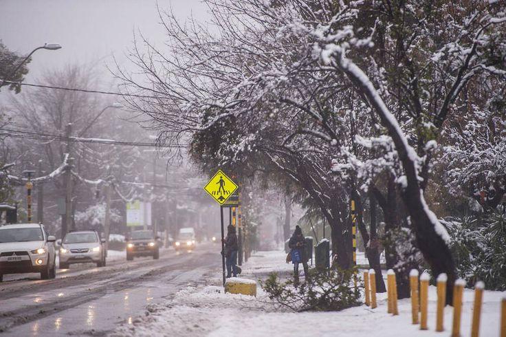 Chili: des chutes de neige historiques sur la capitale