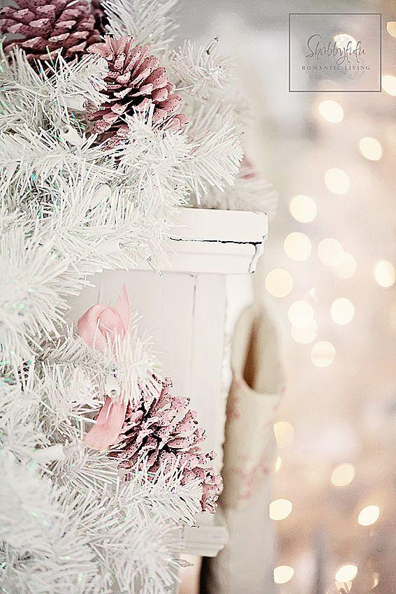 Shabbyfufu: Christmas Mantel Styling Ideas and a Blog Hop