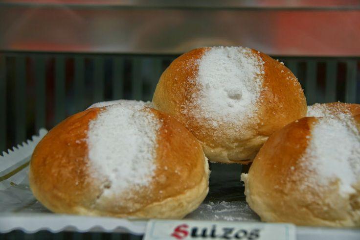 Bollos de leche. Fuente http://hornodelena.blogspot.com.es/2012/11/bollos-de-leche-desayuno-receta-facil-.html