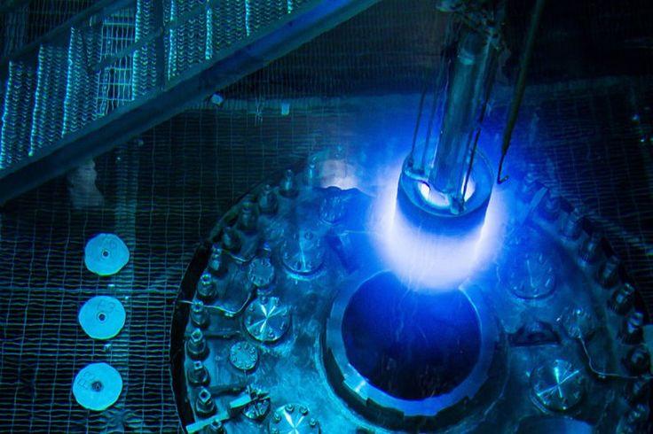 Reator nuclear em plena ação parece coisa de filme de ficção científica - TecMundo