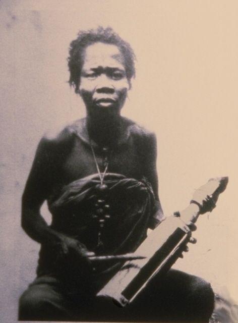 Idiophone - Tambours à fente : MUSIQUE D'AFRIQUE - Idiophones