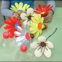 Cómo hacer flores recicladas con botellas de plástico