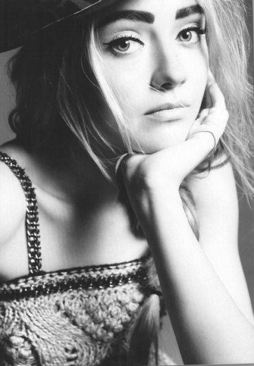 Dakota Fanning, Photoshoot Vogue 2010