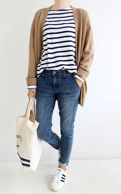 alt: fashion skinny jeans casual striped tee light brown cardigan fall layers simple