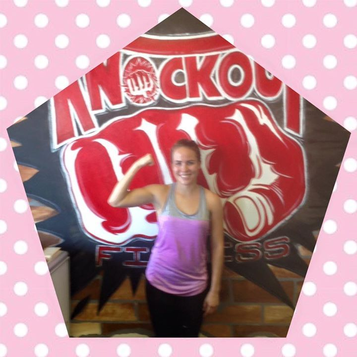 Paradise Valley member of the week is Jessi Koeppen. This young lady has been a part of the knockout family for almost 11 months. She originally started out in our Gilbert club but has relocated to our place and is loving it! She is a full time student at ASU and also works part time and she still manages her time to come in to work out at least 4 days a week.