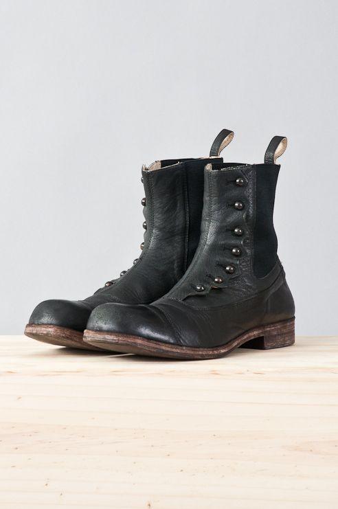 re.porter 足袋を思い出してしまうデザイン