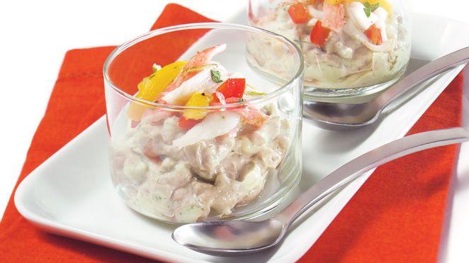 Crème de mascarpone à l'avocat et effiloché de crabe à la mangue   Recettes IGA   Verrines, Fromage, Recette rapide