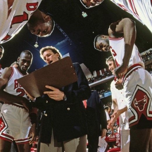 #DougCollins diagrams a play, as #MichaelJordan and teammates look on. #AndrewBernstein #ChicagoBulls #ChicagoStadium #HoraceGrant #JohnPaxson #CharlesOakley #VintageNBA #oldschoolNBA #retroNBA