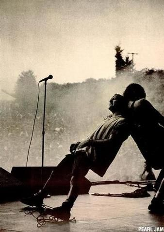 Falta um dia... Pearl Jam amanhã no Estádio Nacional de Brasília! <3
