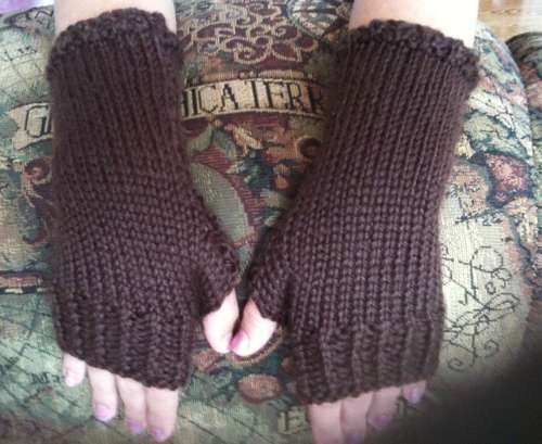How to Knit Close-fitting Fingerless Gloves Knitting club, Easy patterns an...