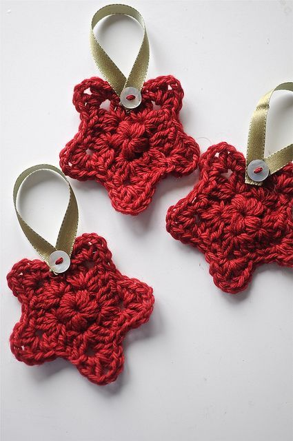Free Pattern for this cute little Granny Star. You can make these individually or joined together for a garland or bunting.