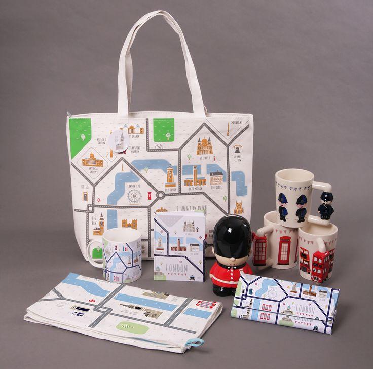 Hrníčky. pokladnička, zápisník nebo nákupní taška s ladící peněženkou - vše s motivem #LondonMap #hrnek #keramika #London #accessories #giftware