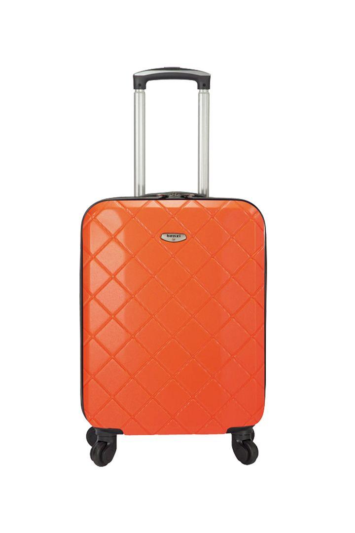 Maletas de viaje a buen precio http://stylelovely.com/galeria/maletas-viaje-baratas/